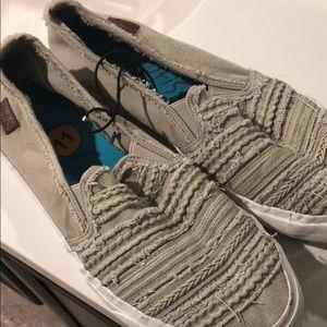 Blowfish Malibu slip on shoes